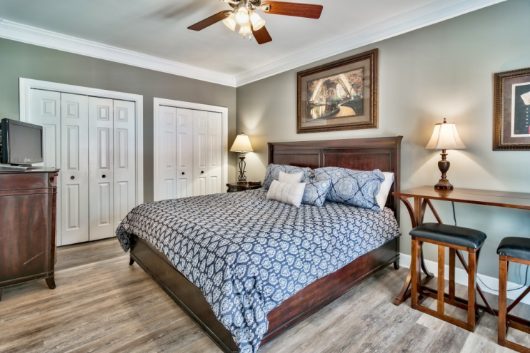 Master Bedroom - KING BED - Full Bath attached - Walkout to patio