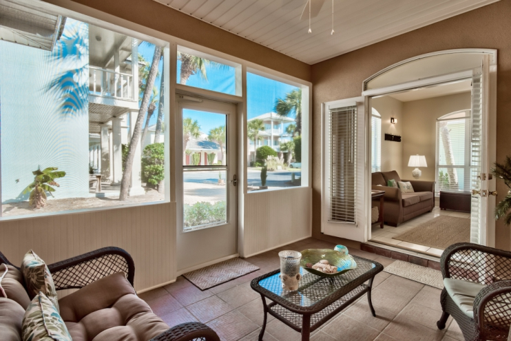 Recently renovated screened-in lanai facing quiet cul-de-sac homes to enjoy your evenings completely bug free!