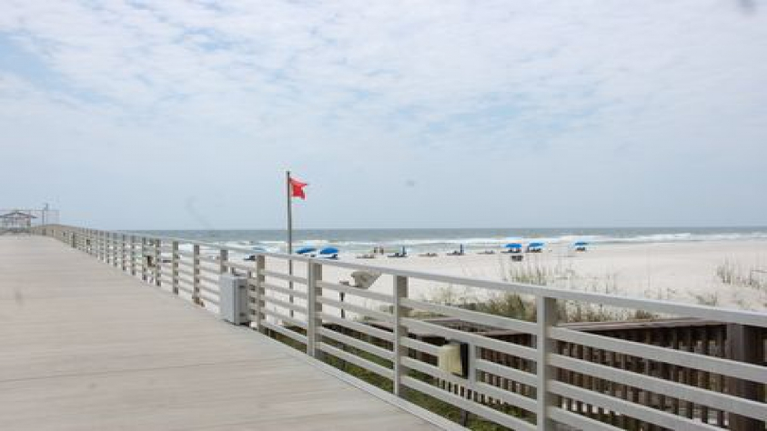 Four seasons 604w private fishing pier four seasons for Fishing orange beach al