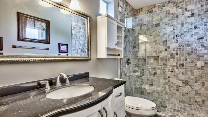 Full bathroom- 2nd floor