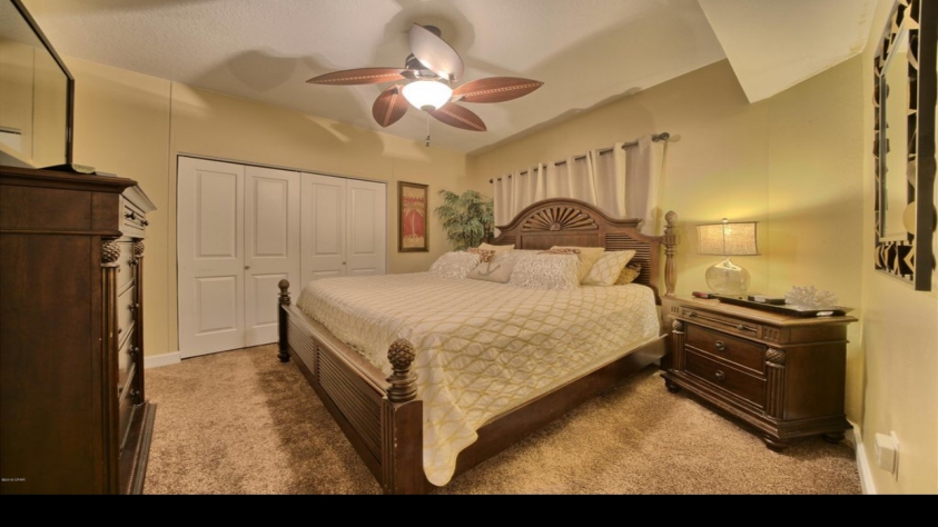 King bed with private bathroom.  Large walk in closet