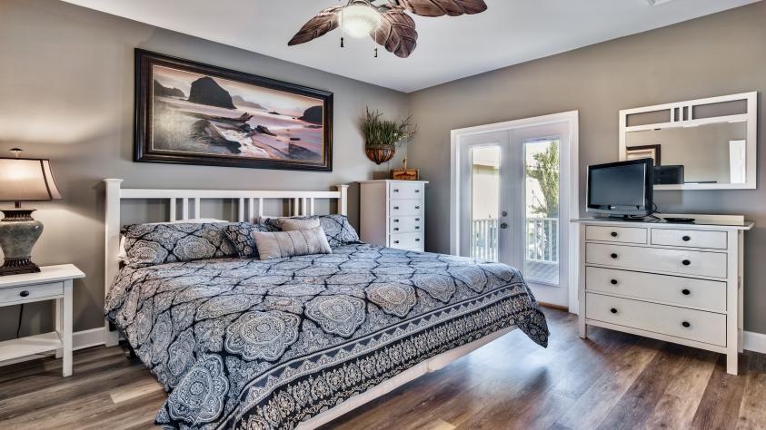King bedroom- 2nd floor