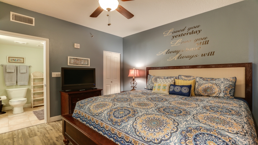 1709 Shores of Panama Master Suite with Full Bath