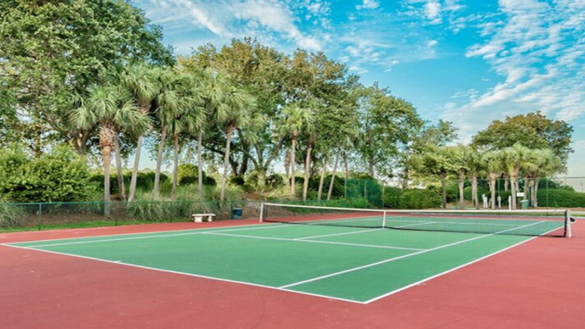 Community Tennis courts in the Emerald Shores community